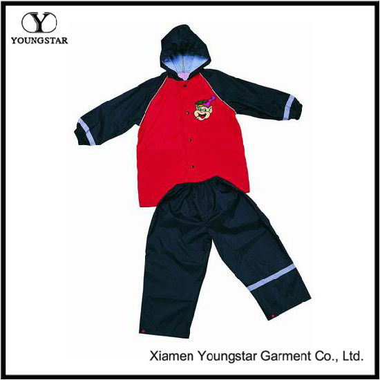 Raincoat Children′s Wear Boys Waterproof Rain Suit with Hood